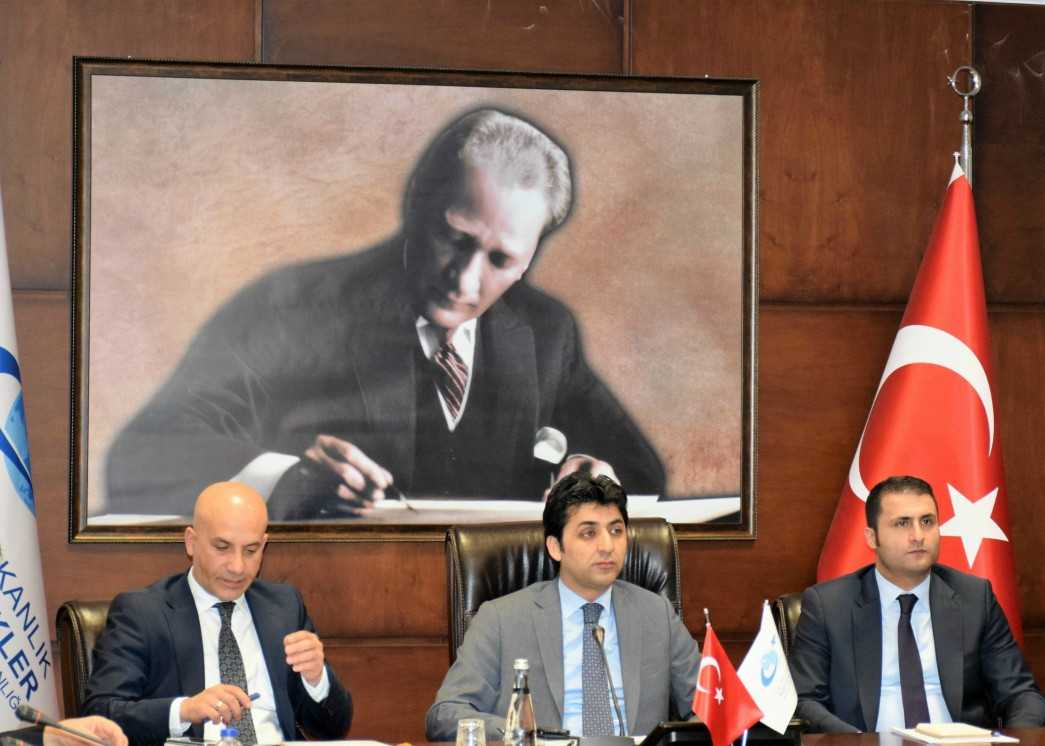 Serdar Gundogan, vice president of YTB, briefs journalists in Ankara on 17 May 2016 (Photo nCa)